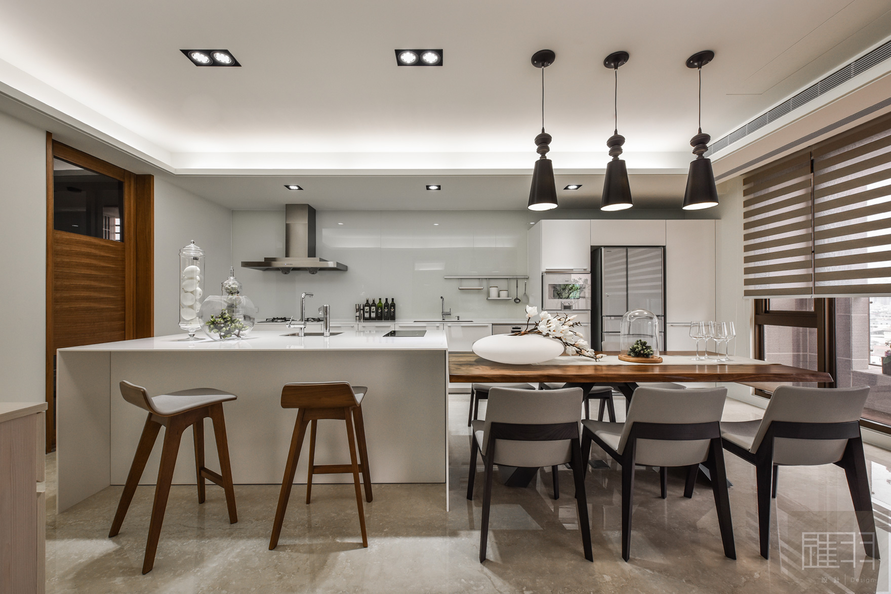 Wood And Earthy Colour Palette Modern Apartment By Manson