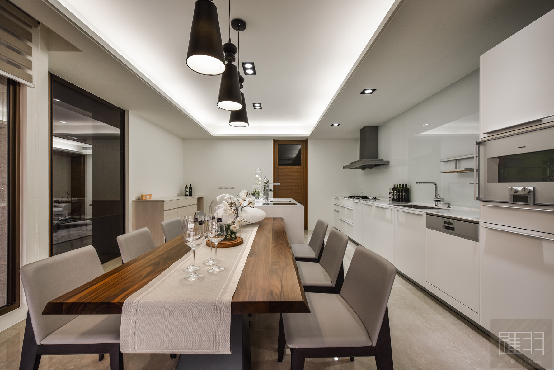 Wood and earthy colour palette modern apartment by Manson Hsiao of Hui-yu Interior Design-15