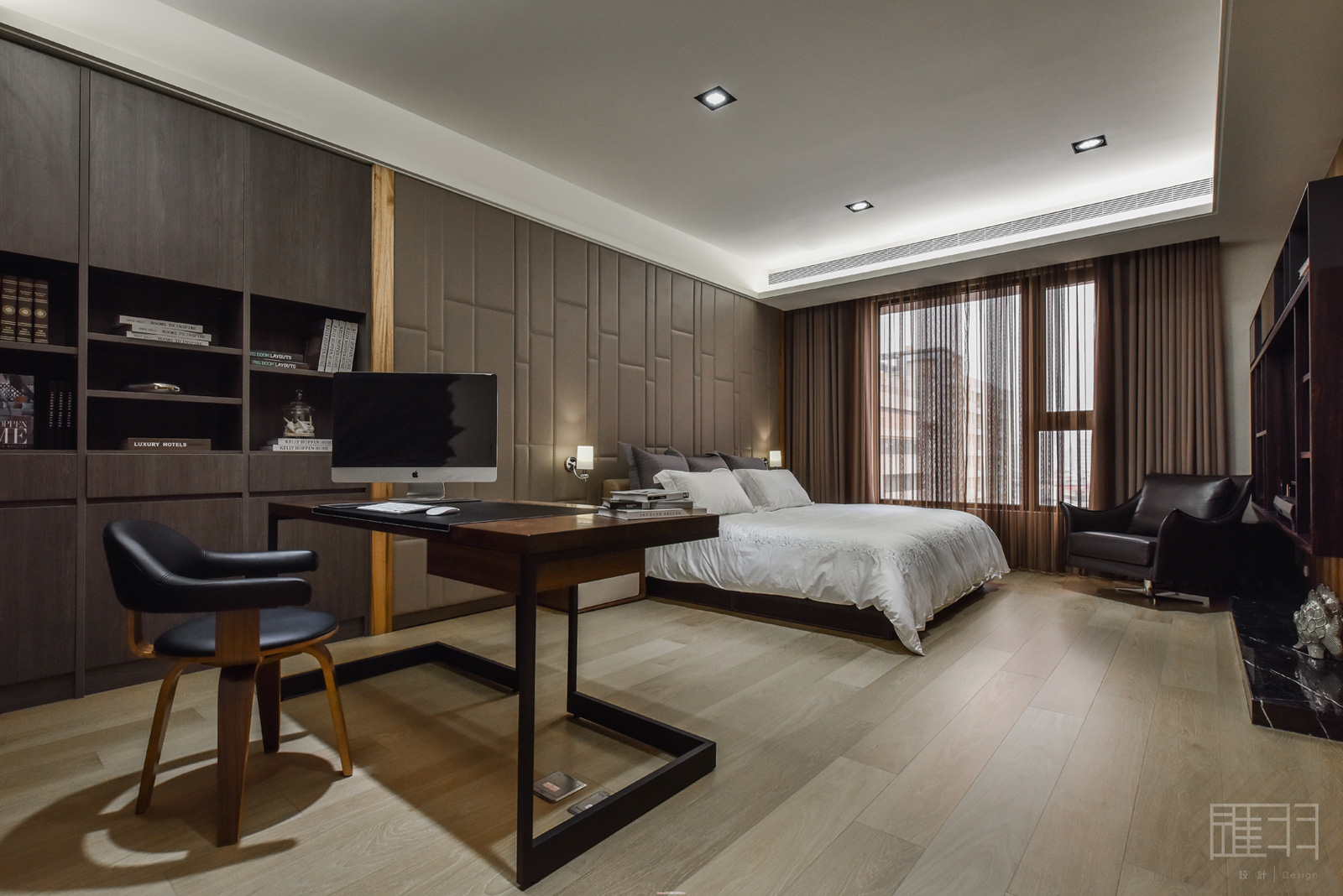 Wood and earthy colour palette modern apartment by Manson Hsiao of Hui-yu Interior Design-17