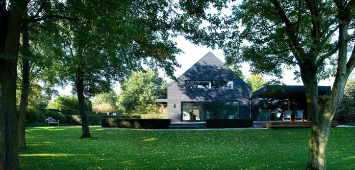 Woonhuis-M-Residence-by-WillemsenU-Architecten-01
