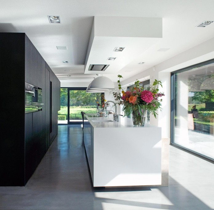 Woonhuis-M-Residence-by-WillemsenU-Architecten-20