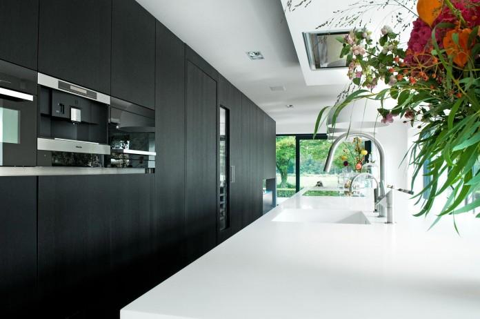 Woonhuis-M-Residence-by-WillemsenU-Architecten-21