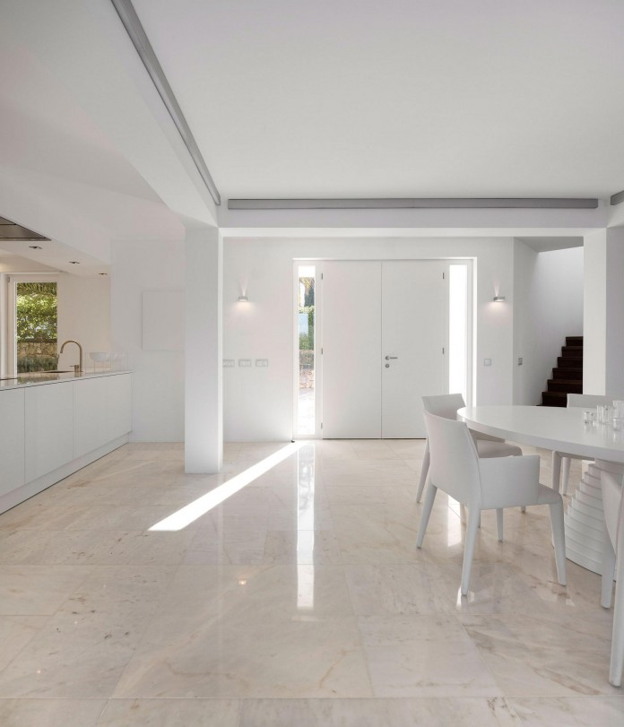 Arco-Iris-House-by-Marlene-Uldschmidt-Architects-02