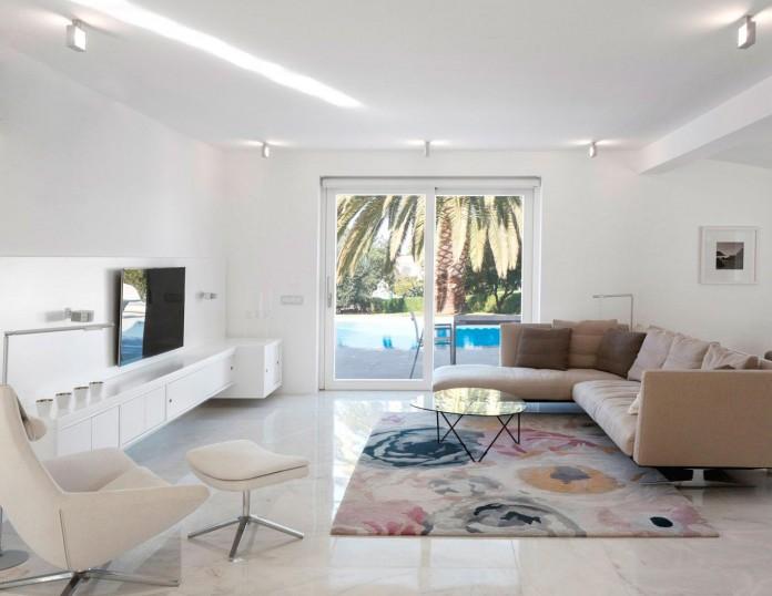 Arco-Iris-House-by-Marlene-Uldschmidt-Architects-03