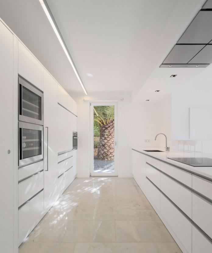 Arco-Iris-House-by-Marlene-Uldschmidt-Architects-09