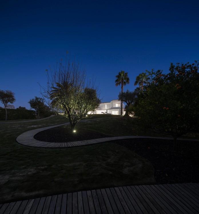 Arco-Iris-House-by-Marlene-Uldschmidt-Architects-19