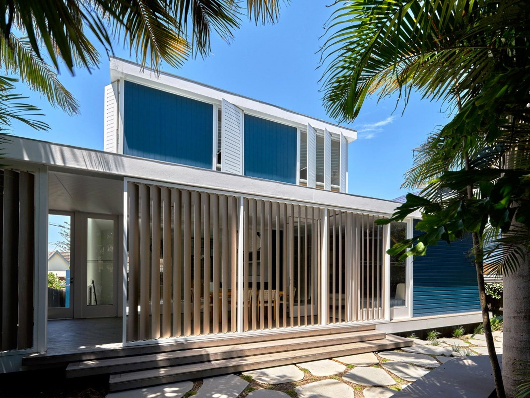 Beach House on Stilts by Luigi Rosselli Architects CAANdesign