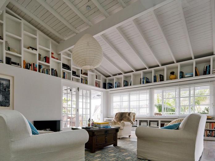 Beach-House-on-Stilts-by-Luigi-Rosselli-Architects-16
