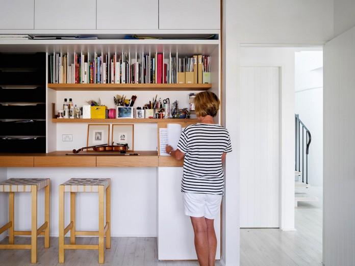 Beach-House-on-Stilts-by-Luigi-Rosselli-Architects-19