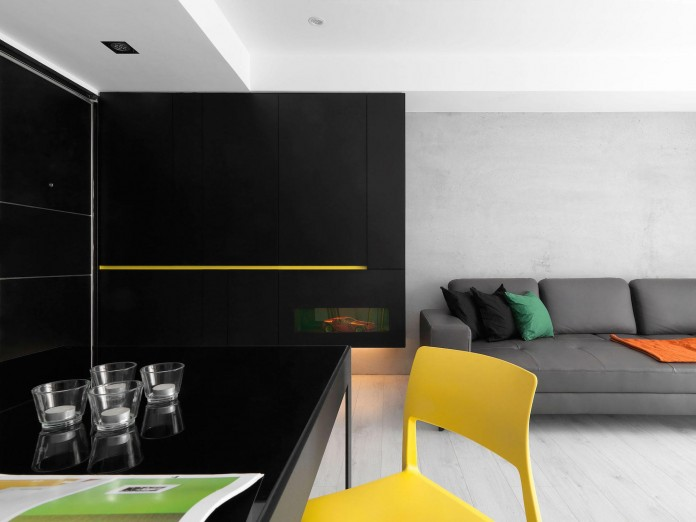 Black,-white-and-yellow-accents-of-H-Residence-by-Z-AXIS-DESIGN-06