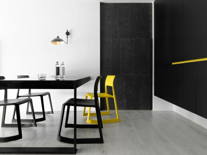 Black,-white-and-yellow-accents-of-H-Residence-by-Z-AXIS-DESIGN-09