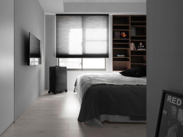 Black,-white-and-yellow-accents-of-H-Residence-by-Z-AXIS-DESIGN-12