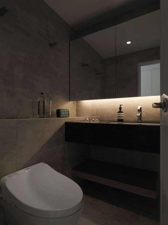 Black,-white-and-yellow-accents-of-H-Residence-by-Z-AXIS-DESIGN-20