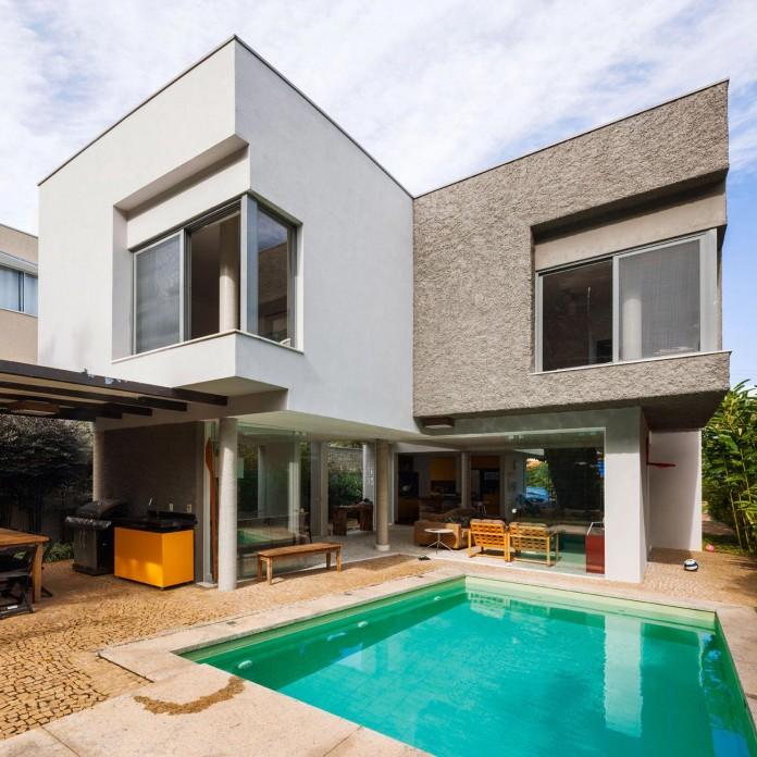 Campanella-House-by-Campanella-Arquitetura-01