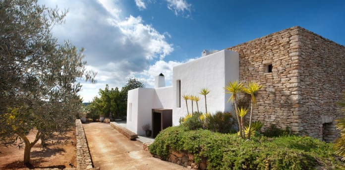 Can-Bikini-Residence-in-Ibiza-by-TG-Studio-02