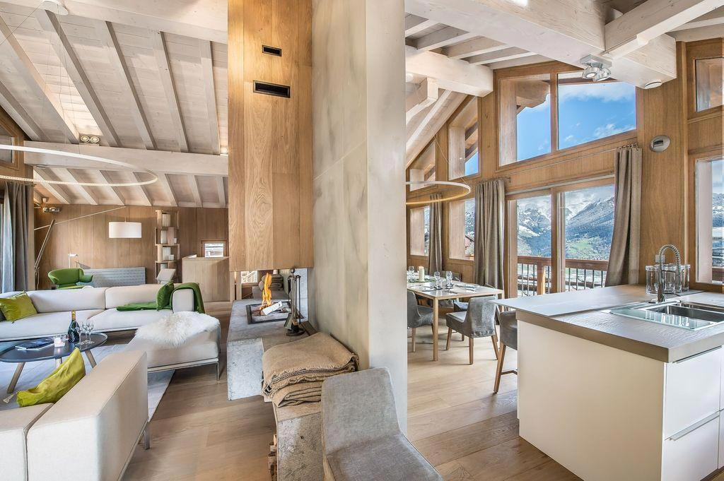 Chalet Kibo by Angelique Buisson