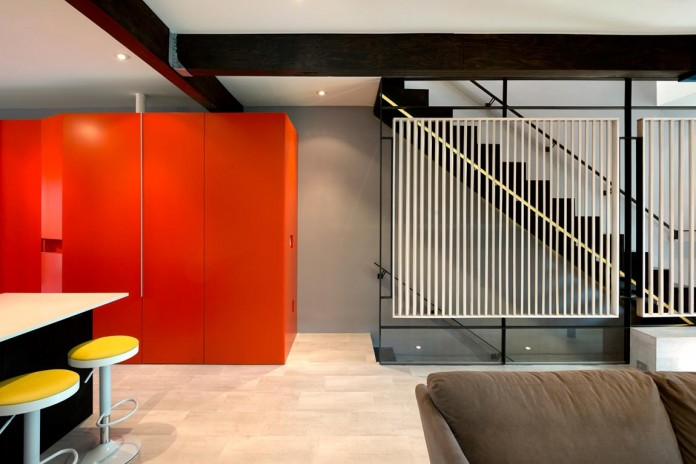 Color-Light-and-Materiality-Mi-Casita-by-KUBE-Architecture-04