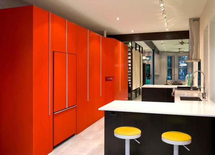 Color-Light-and-Materiality-Mi-Casita-by-KUBE-Architecture-07
