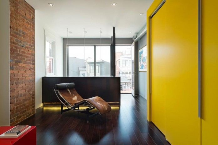 Color-Light-and-Materiality-Mi-Casita-by-KUBE-Architecture-11