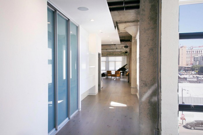 Elegant-Twin-Loft-in-Los-Angeles-by-Chacol-09