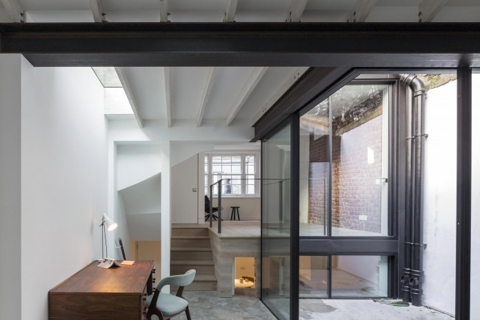 Fitzrovia-House-by-West-Architecture-04