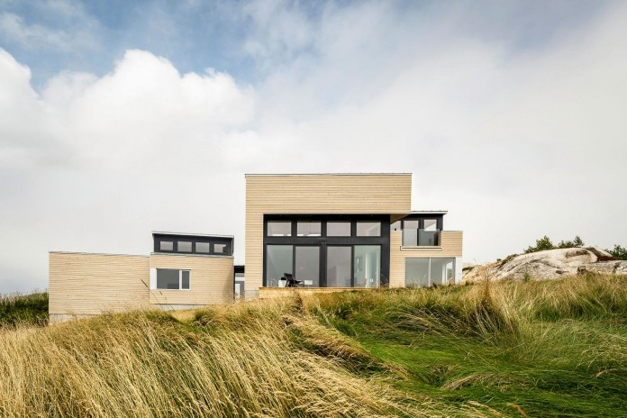 Float-House-in-Halifax-by-Omar-Gandhi-Architect-03