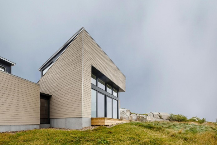 Float-House-in-Halifax-by-Omar-Gandhi-Architect-04