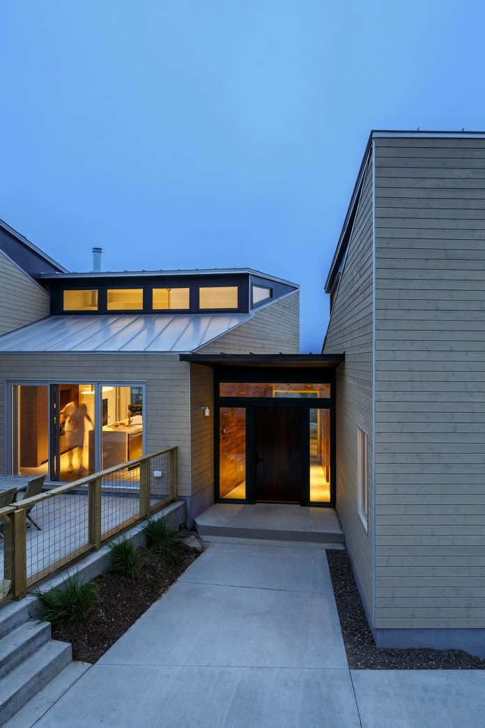 Float-House-in-Halifax-by-Omar-Gandhi-Architect-12