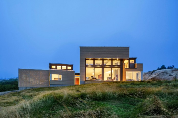 Float-House-in-Halifax-by-Omar-Gandhi-Architect-14