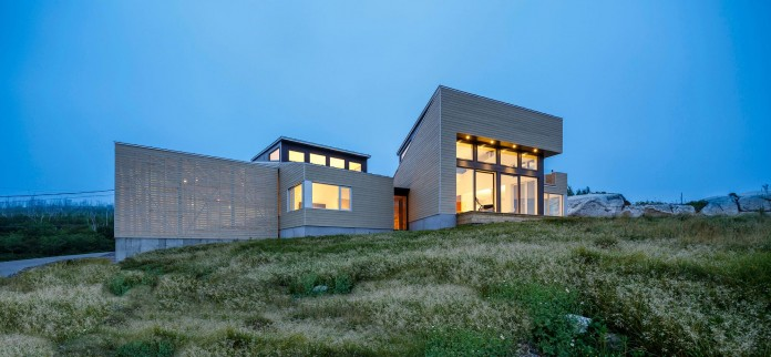 Float-House-in-Halifax-by-Omar-Gandhi-Architect-15