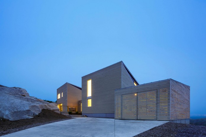 Float-House-in-Halifax-by-Omar-Gandhi-Architect-16