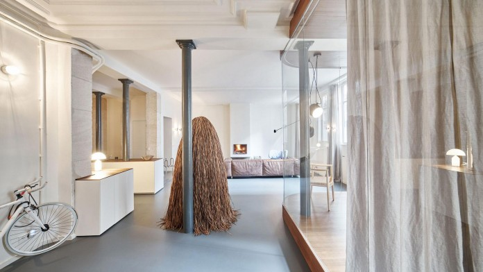 Glass-&-Walnut-Loft-in-Paris-by-CUT-Architectures-01