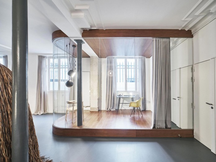Glass-&-Walnut-Loft-in-Paris-by-CUT-Architectures-02