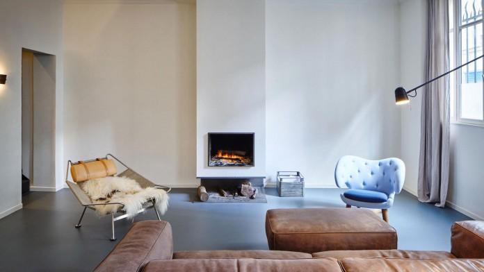 Glass-&-Walnut-Loft-in-Paris-by-CUT-Architectures-10