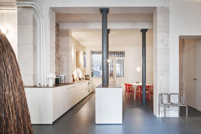 Glass-&-Walnut-Loft-in-Paris-by-CUT-Architectures-15