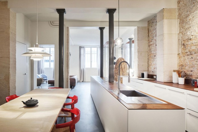 Glass-&-Walnut-Loft-in-Paris-by-CUT-Architectures-19