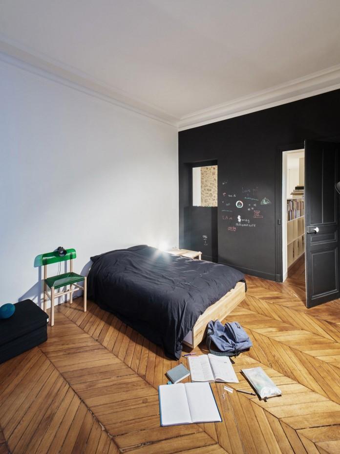 Glass-&-Walnut-Loft-in-Paris-by-CUT-Architectures-22