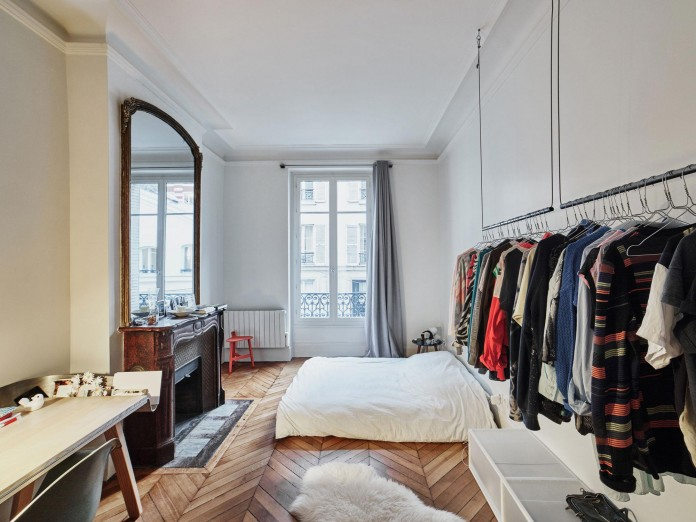 Glass-&-Walnut-Loft-in-Paris-by-CUT-Architectures-23