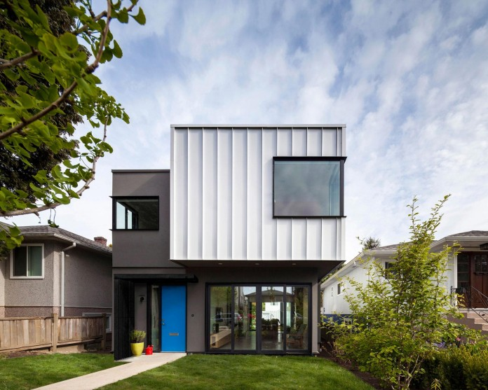 Grade-House-by-Measured-Architecture-03