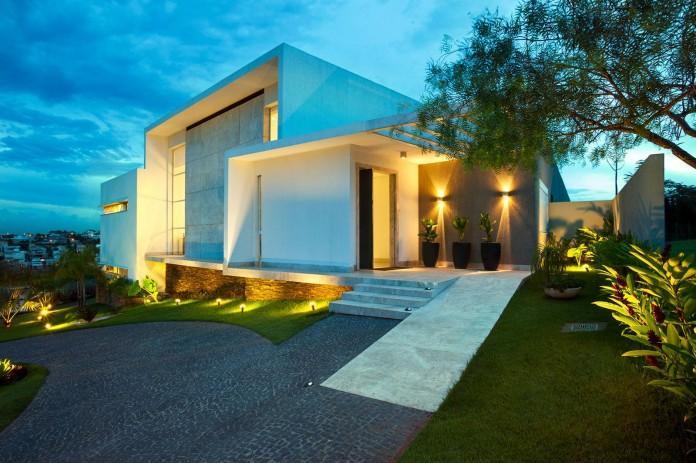 House-Araguaia-OM-by-Dayala-+-Rafael-Estúdio-de-Arquitetura-10