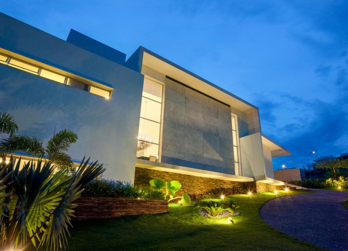 House-Araguaia-OM-by-Dayala-+-Rafael-Estúdio-de-Arquitetura-11