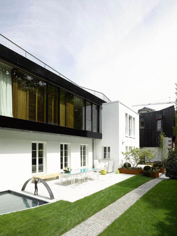 House-S-in-Stuttgart-by-Behnisch-Architekten-01