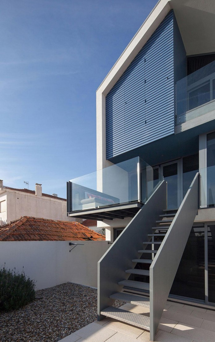 House-in-Bela-Vista-by-RVdM-Arquitectos-04