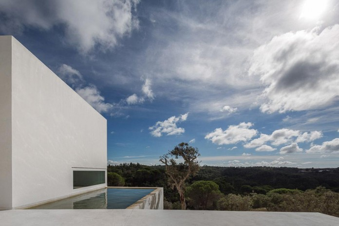 House-in-Fontinha-by-Aires-Mateus-&-Associados-06