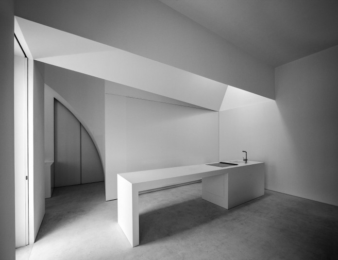 House-in-Fontinha-by-Aires-Mateus-&-Associados-29