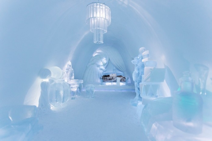 Ice Hotel: the world's first and largest hotel built of snow and ice-04