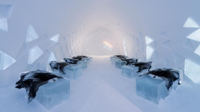 Ice Hotel: the world's first and largest hotel built of snow and ice-08