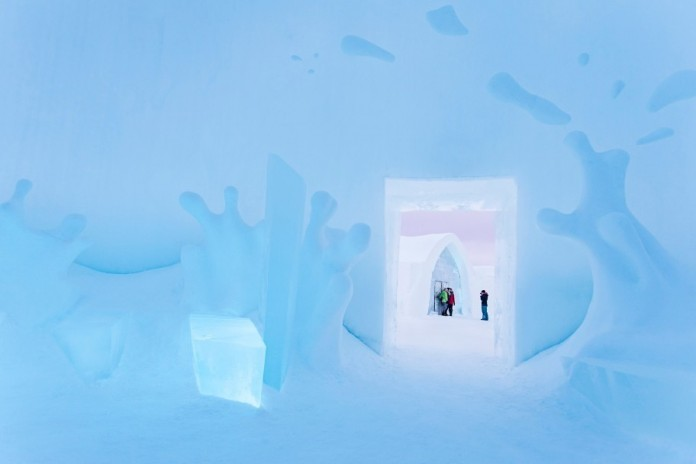 Ice Hotel: the world's first and largest hotel built of snow and ice-10