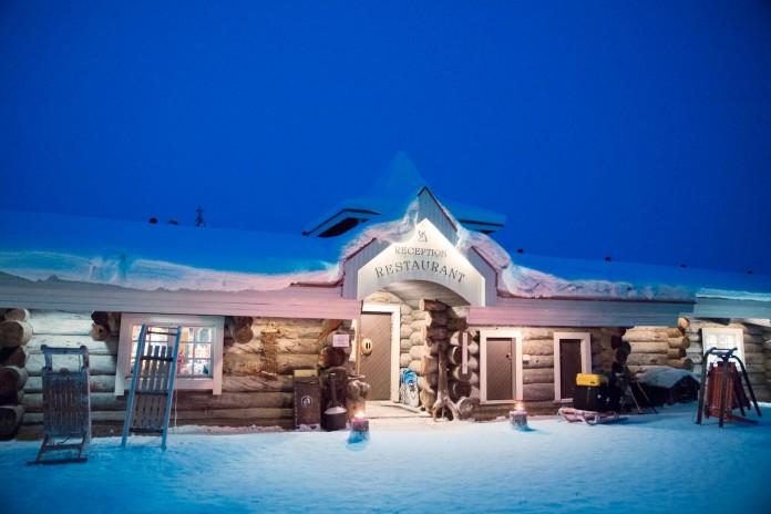 Kakslauttanen-Arctic-Resort-40