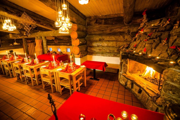 Kakslauttanen-Arctic-Resort-42